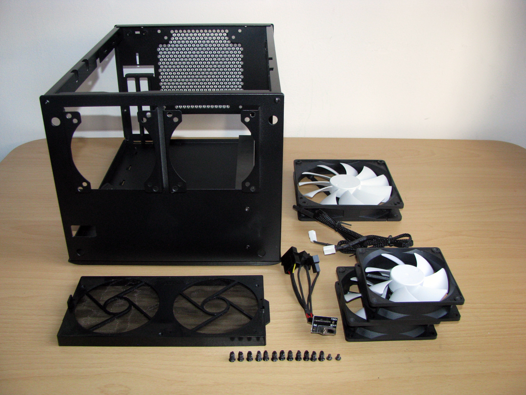 Fractal Design Offered 3 Fans A Fan Controller And Dust Filter To Handle Cooling The Parts Installed Inside Case Will That Be Effective